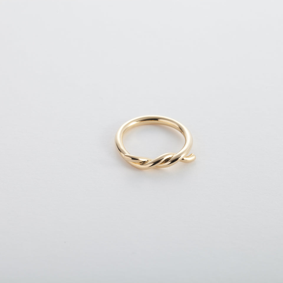 18k Gold Intertwined Ring