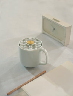 Handmade Golden Moon Design Mug with Lid