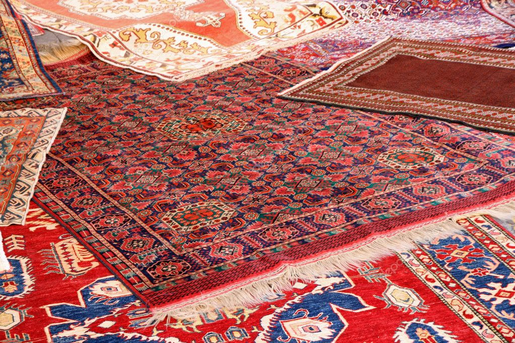Deciding the Best Bedroom Rug Size
