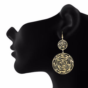 Gold colour Round shape Smartly Crafted Earring