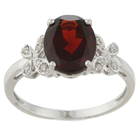 Garnet gemstone and Diamonds on a White Gold Ring
