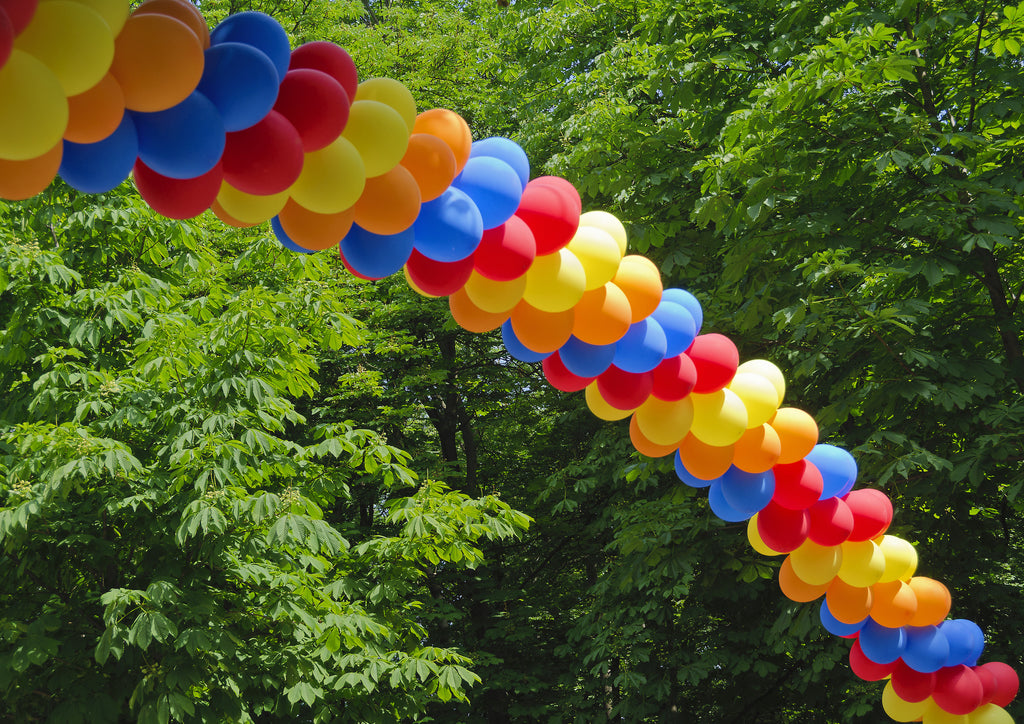 How to Create a Spring-Themed Balloon Arch