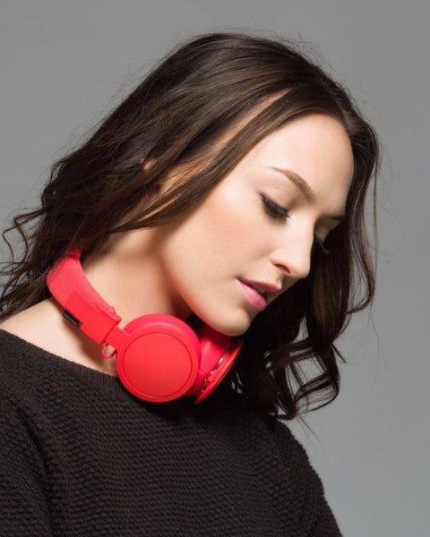 Plattan Wireless in Luscious Tomato - by Urbanears