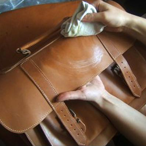 5 PRO TIPS FOR GETTING LEATHER GOODS READY FOR WINTERS