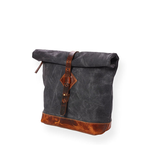 Adventure Roll Top Crossbody (Deep Black)