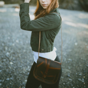 ladies leather sling bag, leather sling bag, leather shoulder bag, shoulder bag, sling bag, handcrafted leather bag, handcrafted leather sling bag, handcrafted leather shoulder bag, handcrafted in us, market bag, ladies market bag United States
