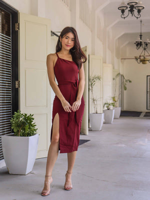 *RESTOCKED* Felly Padded Slit Dress in Maroon