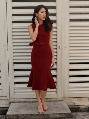 Sera Buckle Dress in Maroon