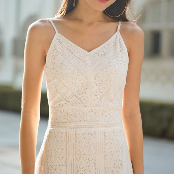 *COMING SOON* Ava Lace Dress in White
