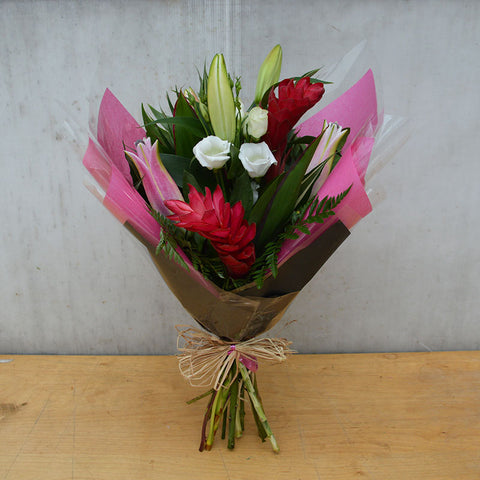 Half & half Hand Tied Gift (Pink/Green)