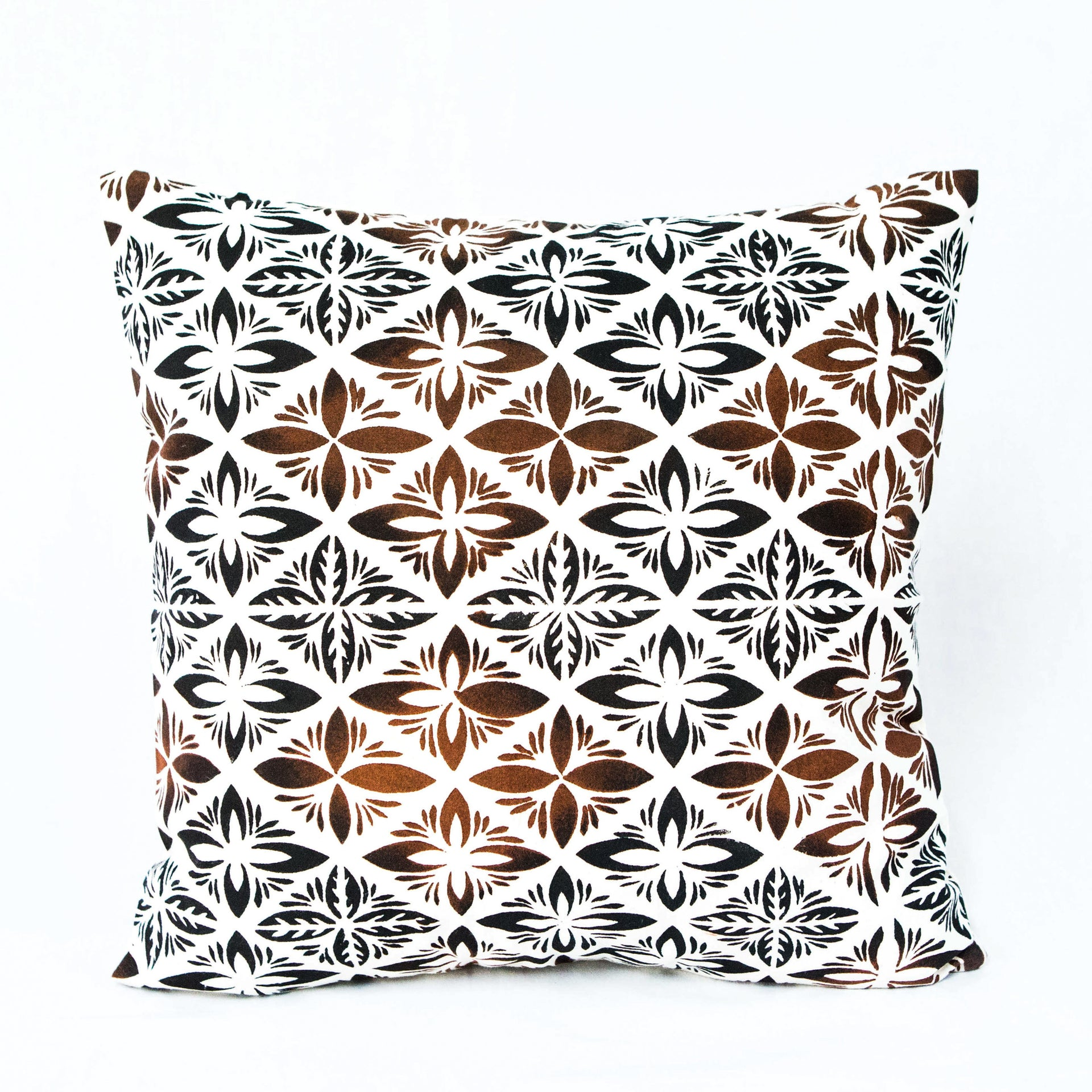 "Cushion Cover ""Intricate Siapo"""