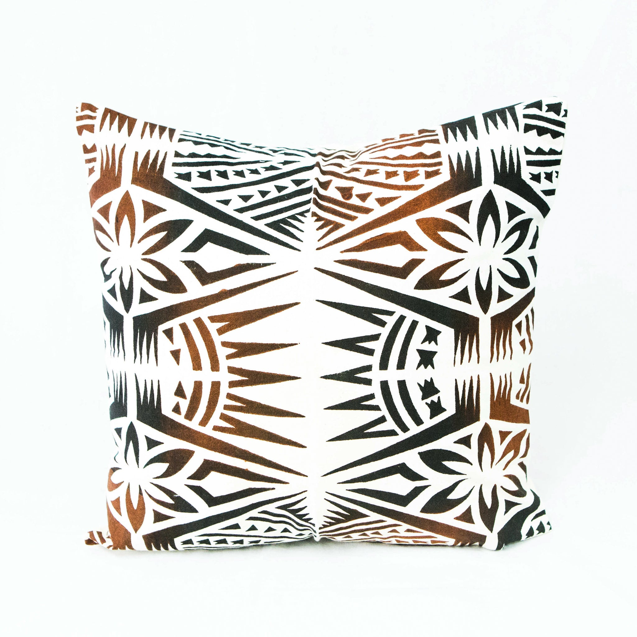 "Cushion Cover ""Nifo Oti"""