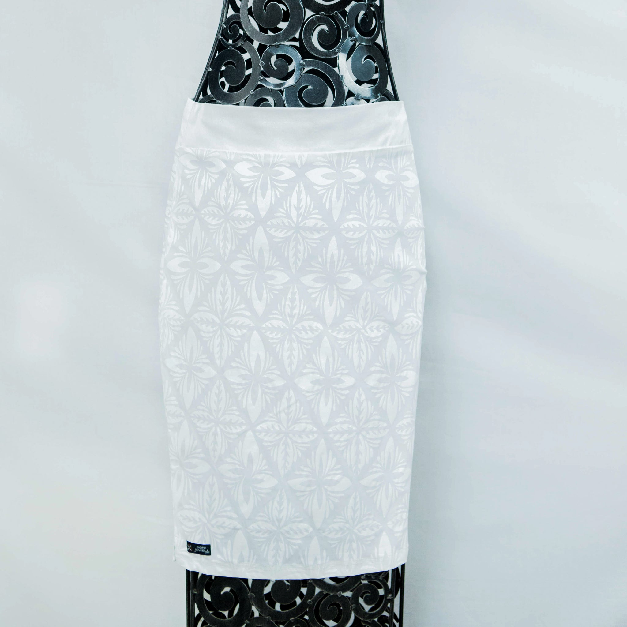 "Pencil Skirt ""Intricate Siapo"""