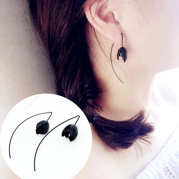 2 Pcs Black Flower Shape Cute Long Drop Earrings