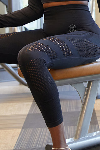 MW Canary Shape Cut Out Leggings