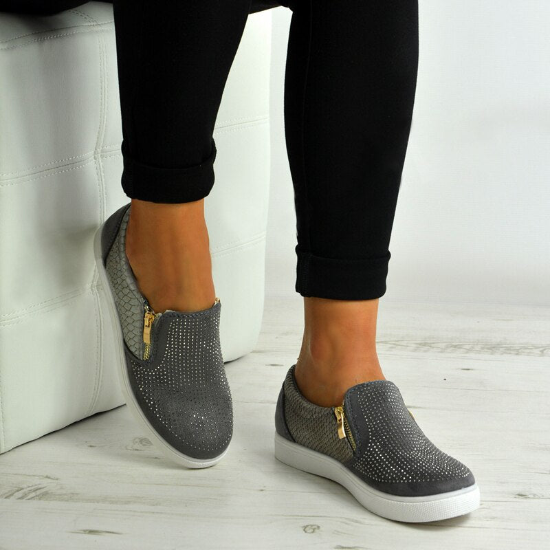 Workout flat shoes with zipper
