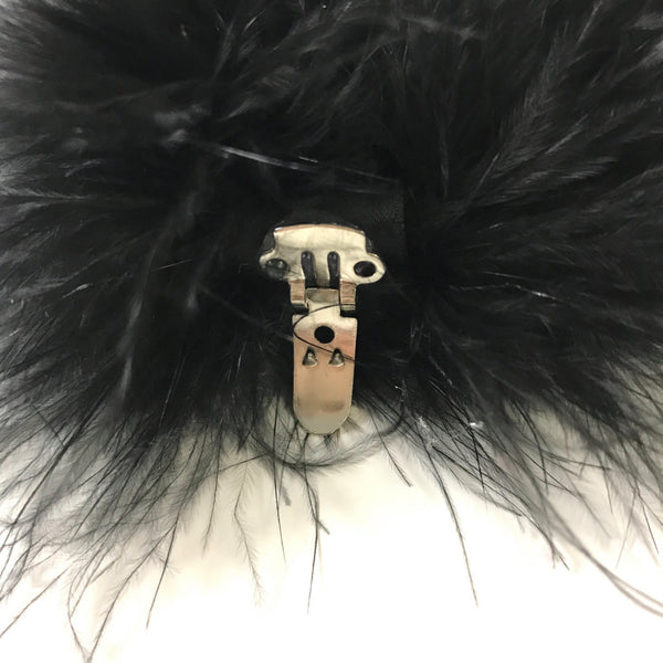 Fluffy shoe clips in black or white