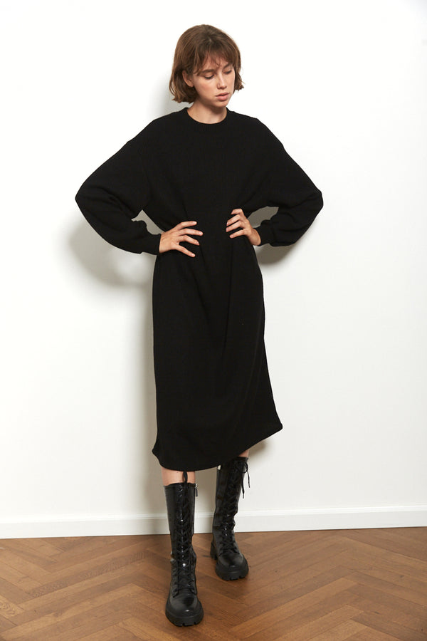 Knit oversized dress in Black