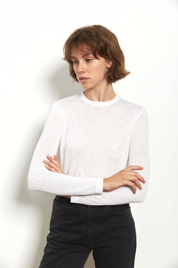 Round neck long sleeves top in White