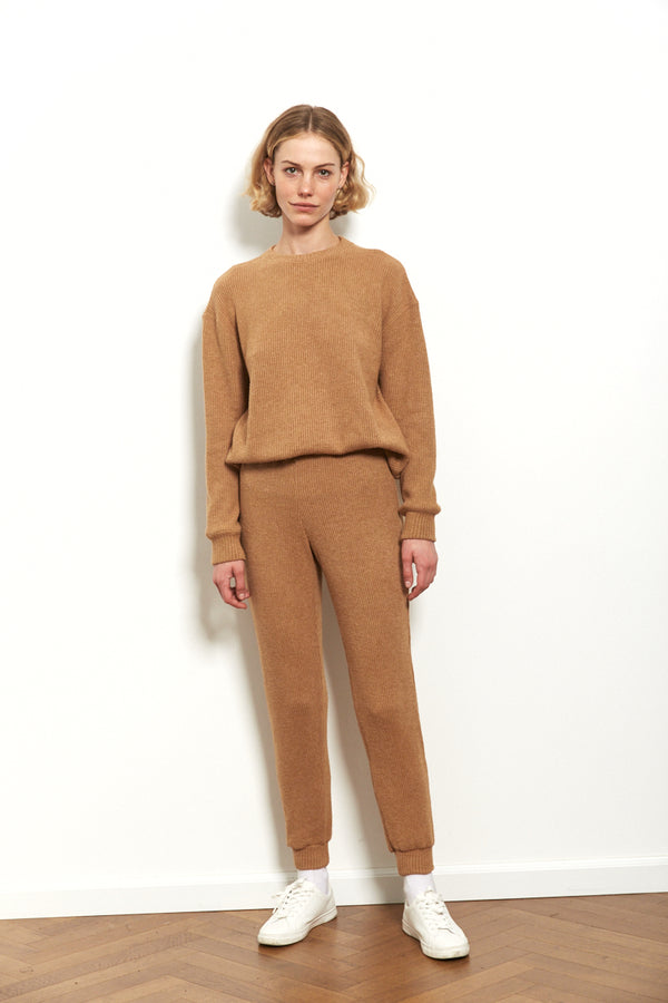 Knit sweater in Camel