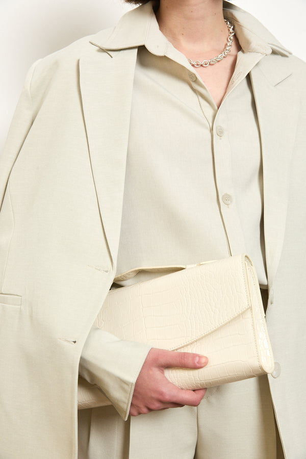 Clutch bag in White