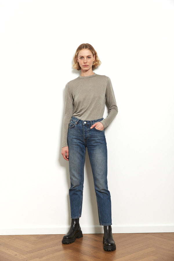 Round neck long sleeves top in Light Grey