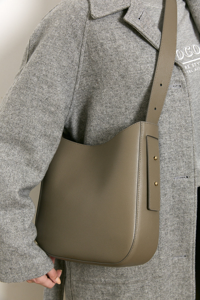 Bucket side bag in Grey