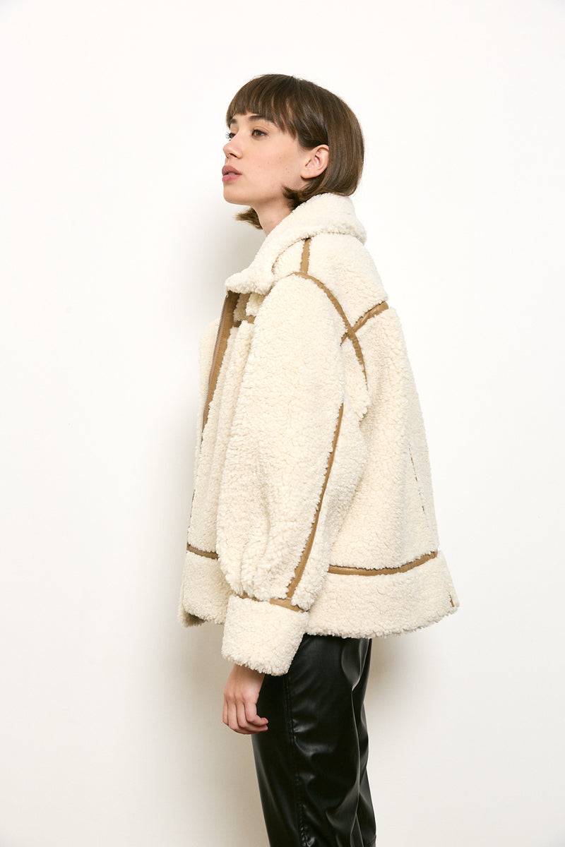 Faux fur short zippered jacket