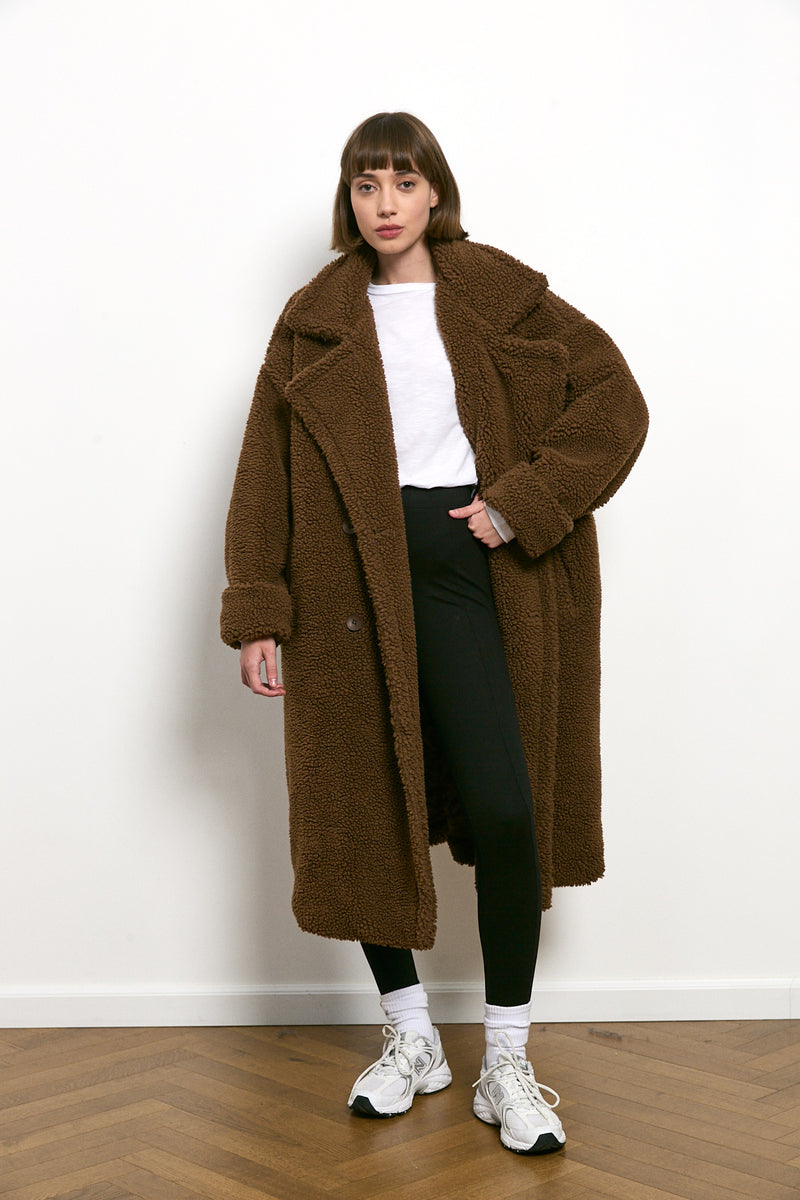 Teddy oversized coat in Chocolate