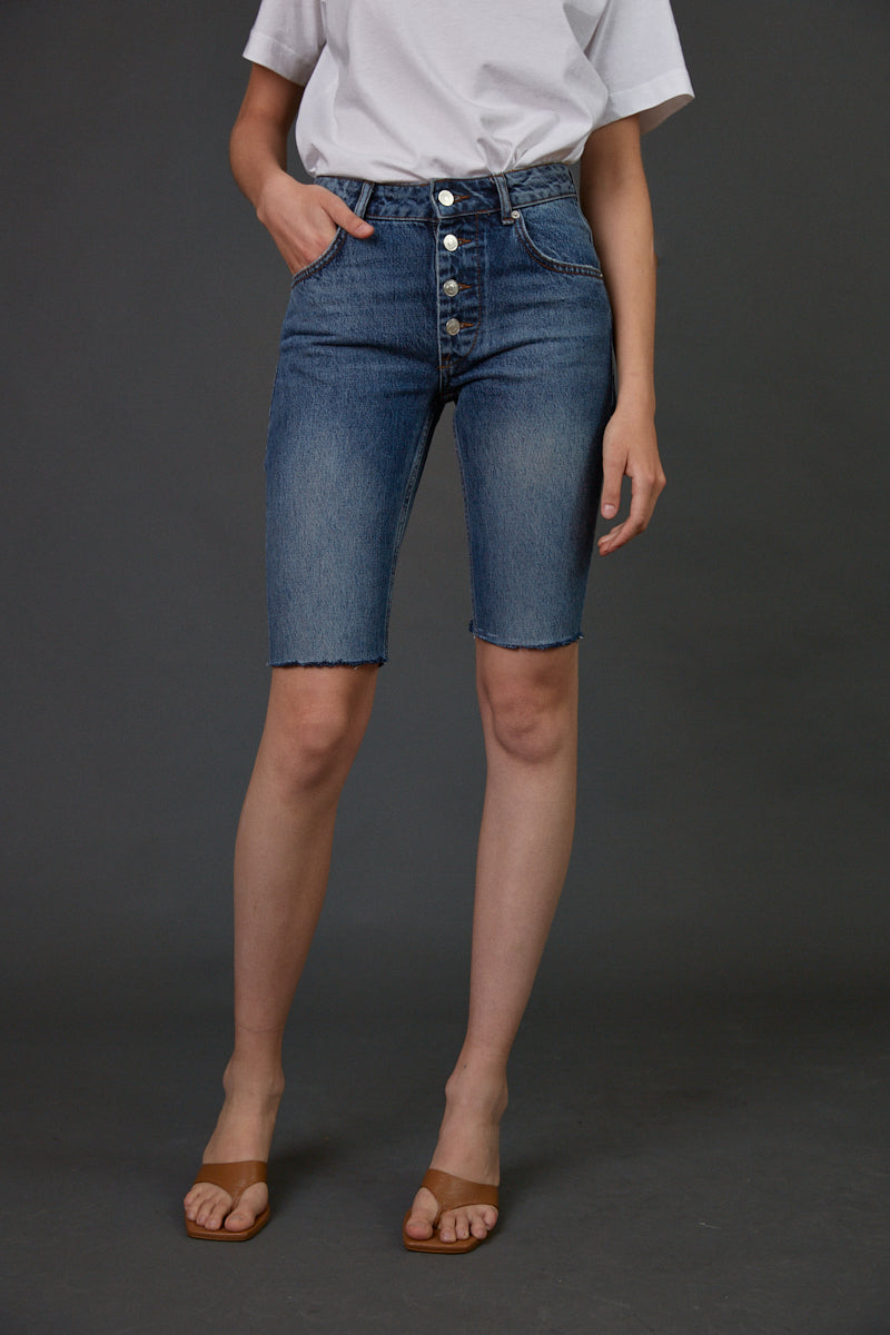 DR buttoned bermuda jeans in classic blue
