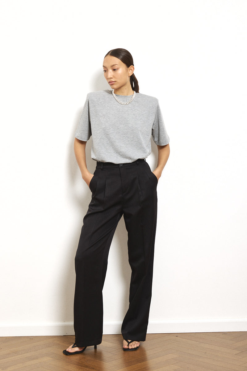 Wide Daddy pants in Black
