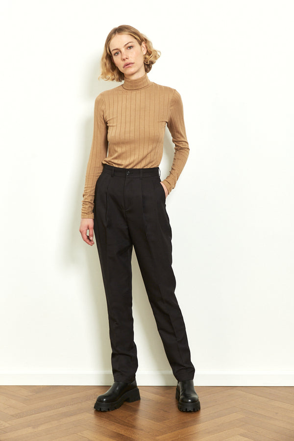 Fitted turtleneck top in Camel