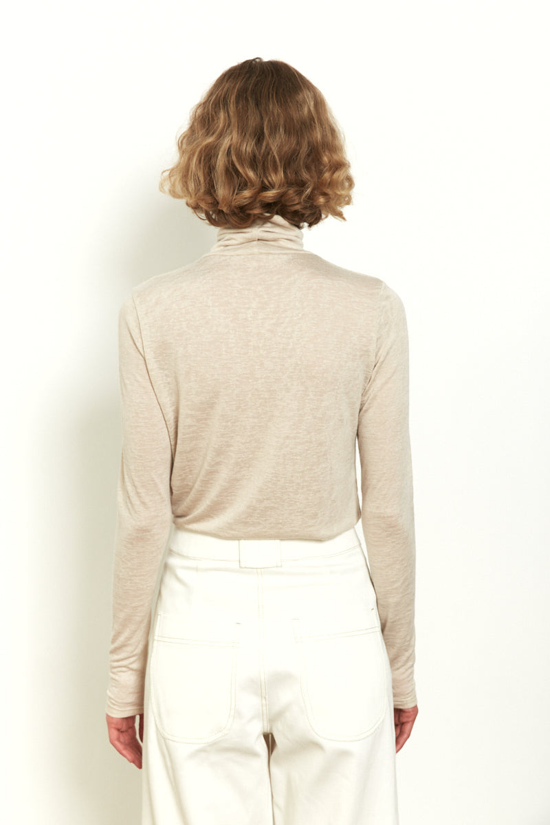 Roll neck long sleeves top in Nude