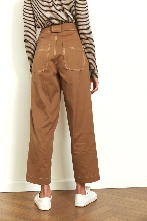 Utility pants in Camel