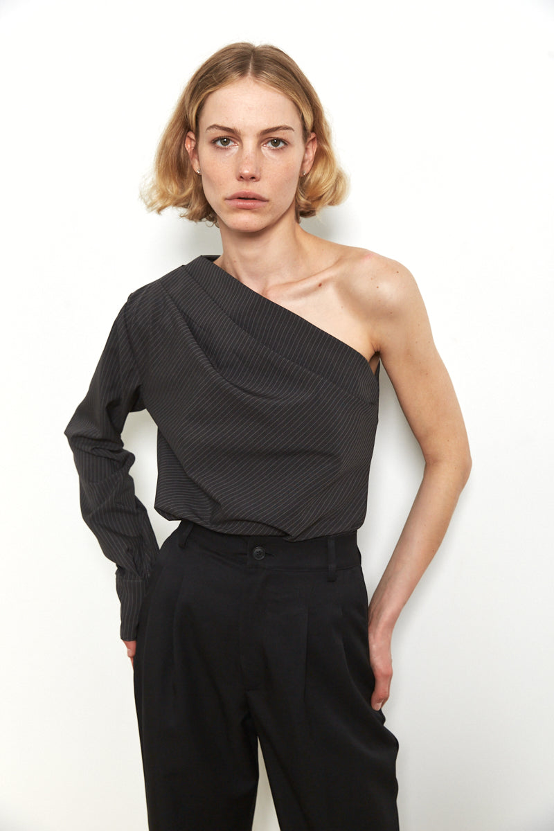One shoulder pin strips top in Charcoal grey