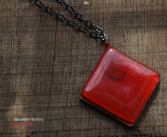 Fused glass rhombus necklace w/18