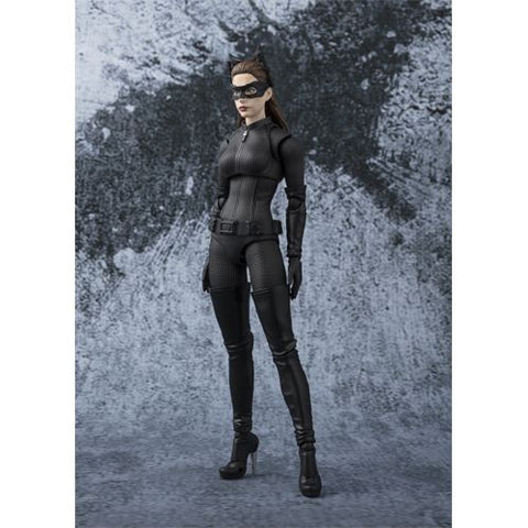 Bandai Tamashii Nations S.H. Figuarts DC Batman The Dark Knight Catwoman Action Figure