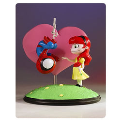 Marvel Spider-Man and Mary Jane Animated Statue