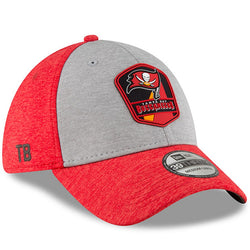 Tampa Bay Buccaneers New Era 2018 NFL Sideline Road Official 39THIRTY Flex Hat – Heather Gray/Red