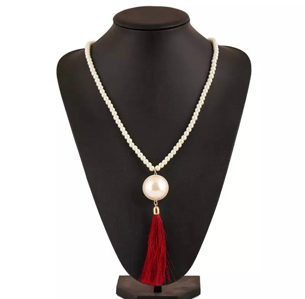 Perle Rouge Necklace