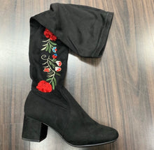 Mulan Rouge Boots
