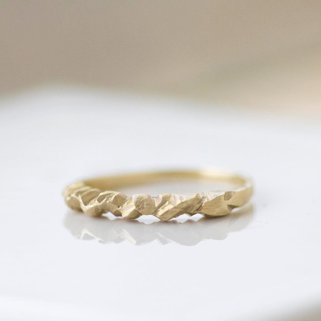 9ct Yellow Gold Alps Ring