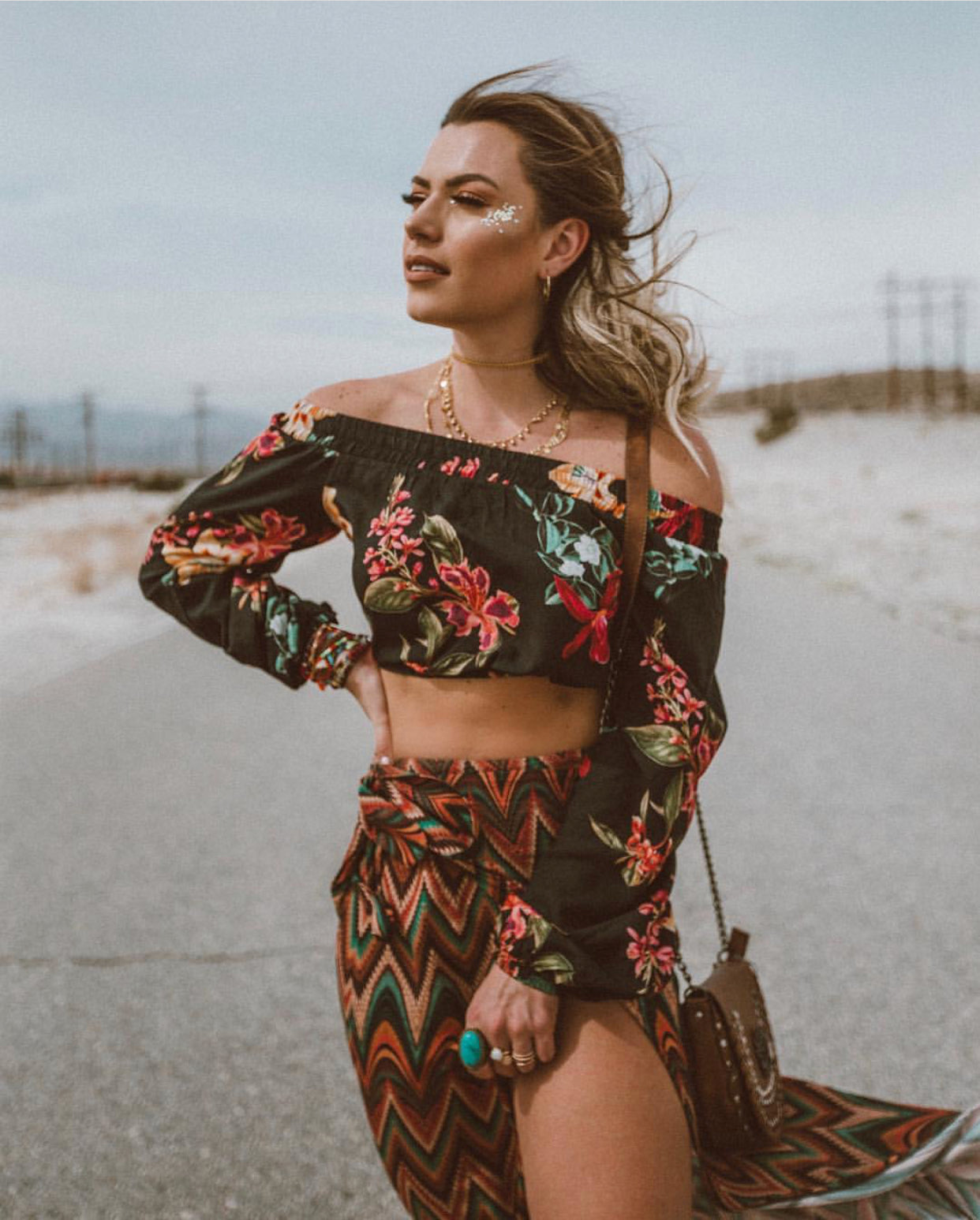 FLOWER CROPPED TOP