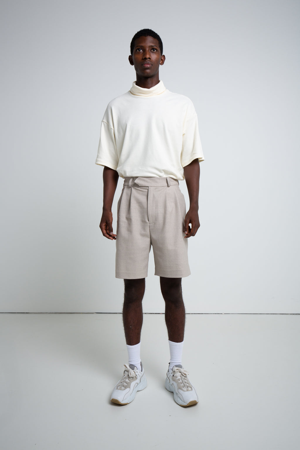 PLEATED SHORTS OATMEAL