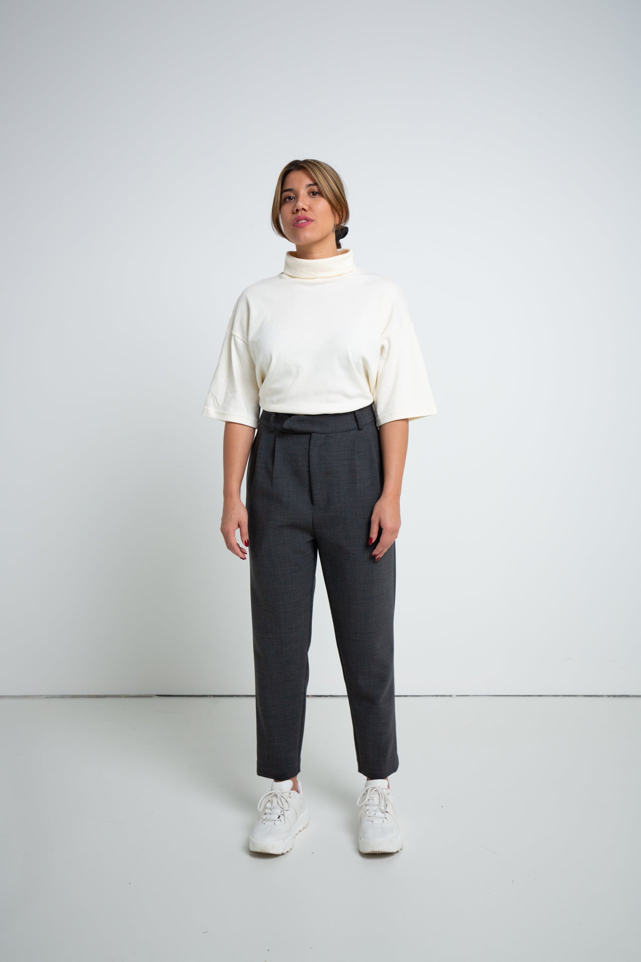 PLEATED TROUSERS CHARCOAL