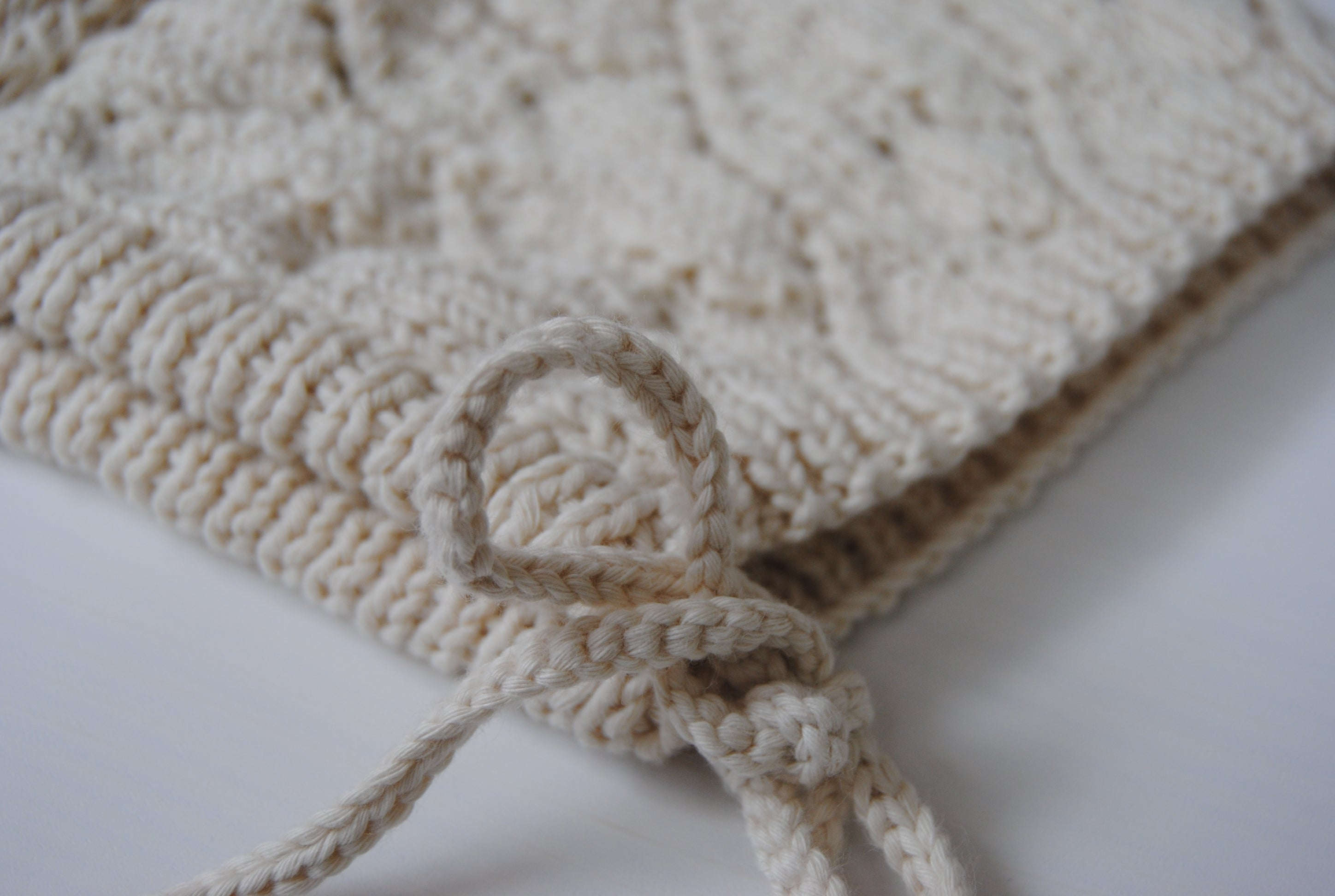 Adalia Bonnet - Raw White w/ Knitted Straps