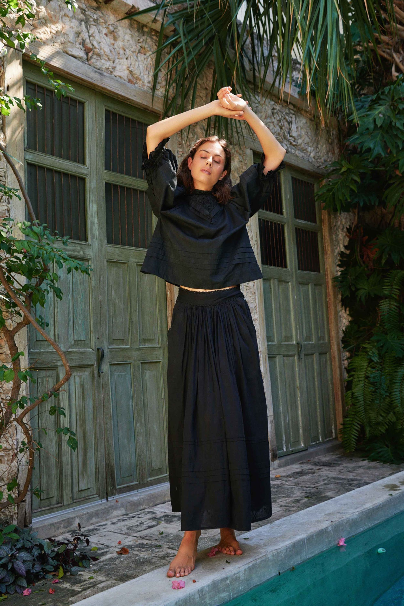 SHADOW PLEAT SKIRT