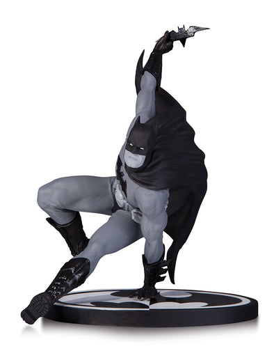 DC Collectibles Batman Black and White statue: BRYAN HITCH - Nerd Arena