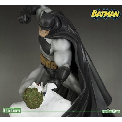 Kotobukiya The Dark Knight Returns: Batman vs. Joker ArtFX Statue (Hunt The Dark Knight) - Nerd Arena