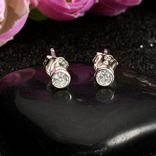 925 Sterling Silver Round Cut CZ Simple Basket Set Stud Earrings Clear